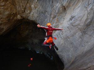 canyoning-424575_960_720